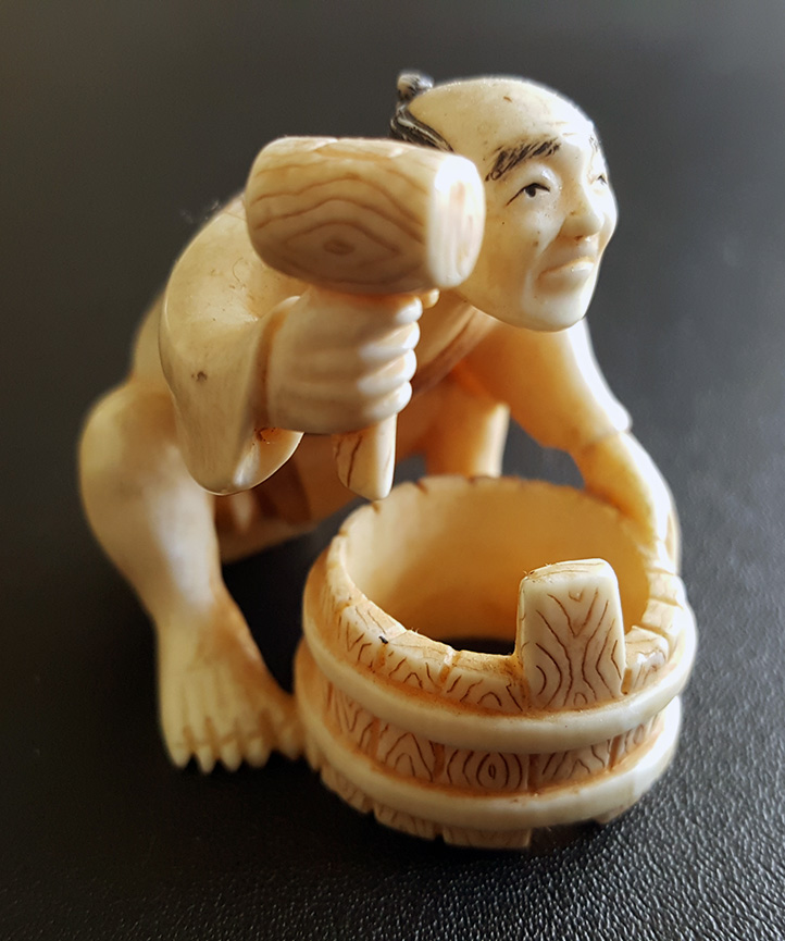 19th Century Japanese Netsuke Man with Bowl and Hammer